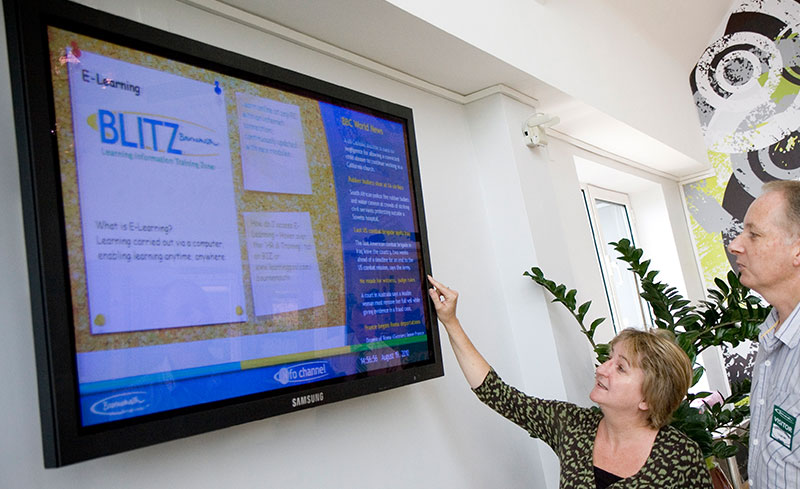 digital-signage-board